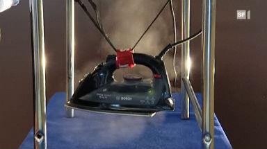 Video «Bügeleisen im Test: Diese machen Falten Dampf» abspielen