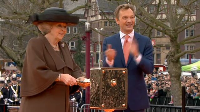 Königin Beatrix eröffnet das Reichsmuseum