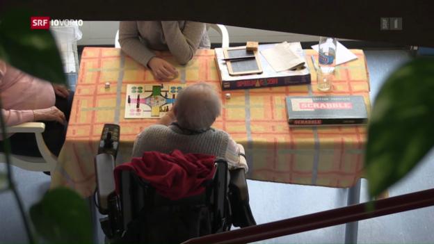 Video «FOKUS: Trostloser Alltag im Pflegeheim» abspielen