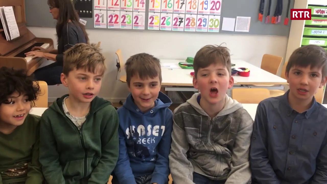Uffants 1. e 2. classa bilingua chasa da scola Lachen