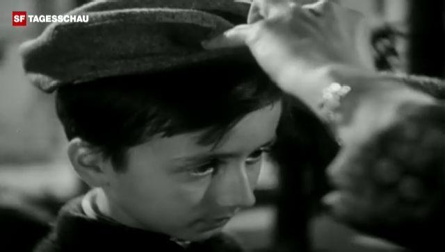Kleiderstuben der Winterhilfe (Schweizer Filmwochenschau, 29.10.1943)