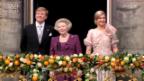 Video «Aktuell: Königsfamilie auf dem Balkon» abspielen