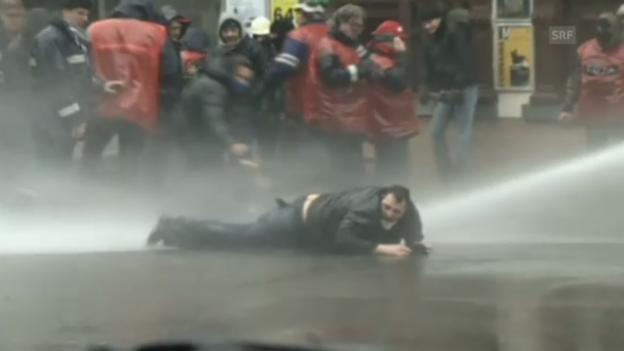 Video «Heftiger Protest in Belgien gegen Stellenabbau» abspielen