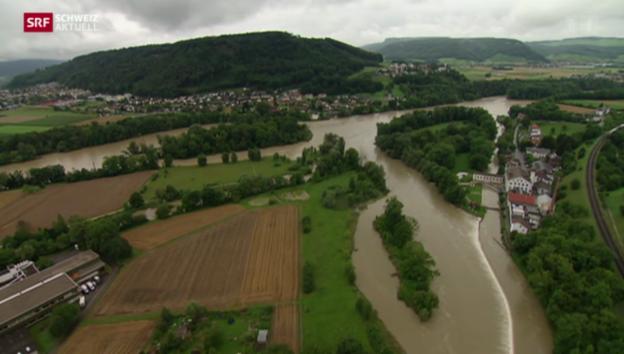 Video «Dank den Bernern keine nassen Füsse im Aargau» abspielen