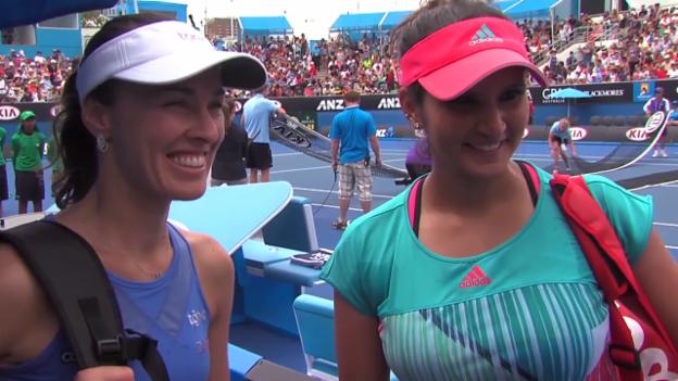 Video «Martina Hingis und Sania Mirza nach ihrem 1. Auftritt an den Australian Open» abspielen