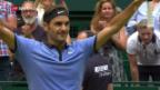 Video «Federer schlägt Zverev in Halle» abspielen