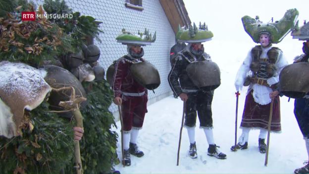 Laschar ir video «En l'Appenzell vegn festivà duas giadas Son Silvester»
