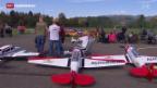 Video «Modellflugliebhaber zeigen Prachtstücke» abspielen