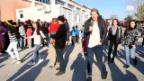 Video «Tag 2: Weihnachtsfeier im Camp Derveni in Griechenland» abspielen