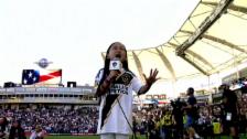 Link öffnet eine Lightbox. Video So begeisterte eine 7-Jährige das MLS-Publikum abspielen