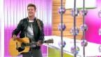 Video «Bastian Baker - Gastmoderator bei «glanz & gloria»» abspielen