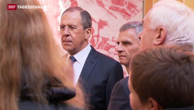 Video «Burkhalter trifft Amtskollege Lawrow in Sotschi» abspielen