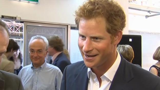 Video «Prinz Harry über seinen Neffen Prinz George» abspielen