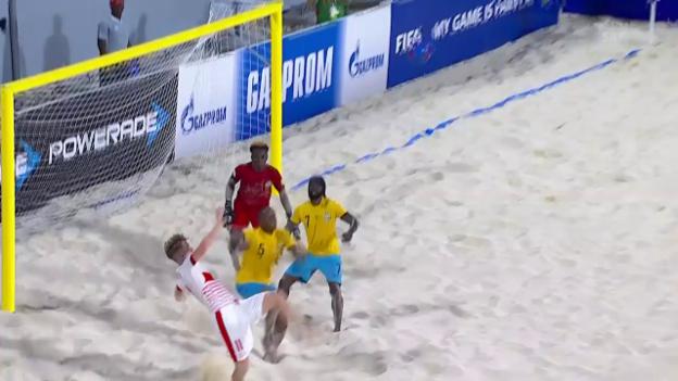 Video «Beachsoccer-Nati mit knappem WM-Startsieg» abspielen