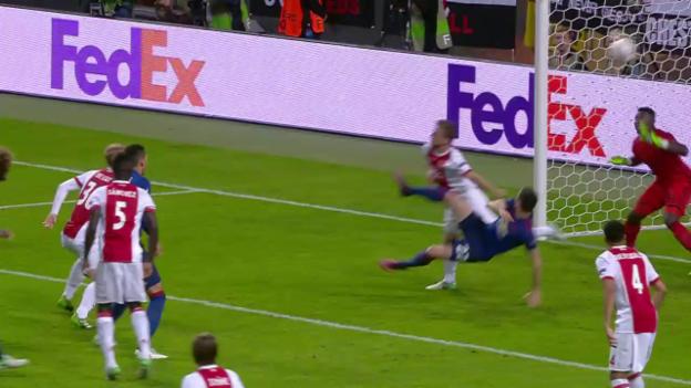 Video «Mchitarjan trifft akrobatisch zum 2:0» abspielen