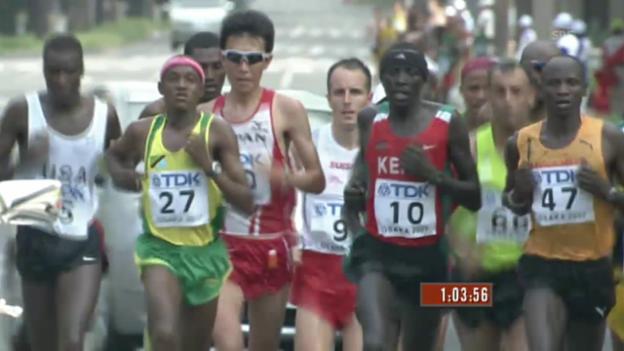 Video «Leichtathletik: WM 2007 in Osaka, Marathon, Viktor Röthlin» abspielen