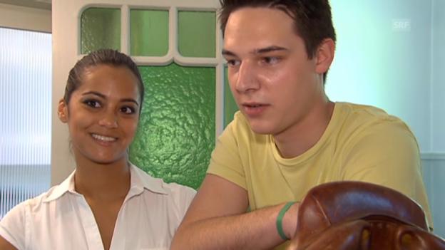 Video «Alina Buchschacher und Freund Fabien beim Umzug» abspielen