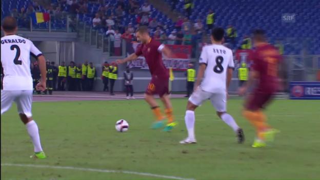 Video «40-jähriger Totti glänzt mit Vorlagen-Hattrick» abspielen