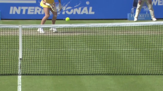 Video «Tennis: WTA Eastbourne, Netzroller bei Wozniacki-Petkovic» abspielen