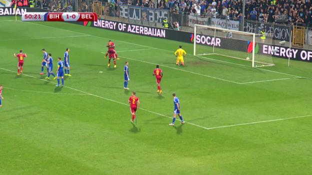 Video «Fussball: EM-Qualifikation, Gruppe B, Zusammenfassung Bosnien-Herzegowina - Belgien» abspielen