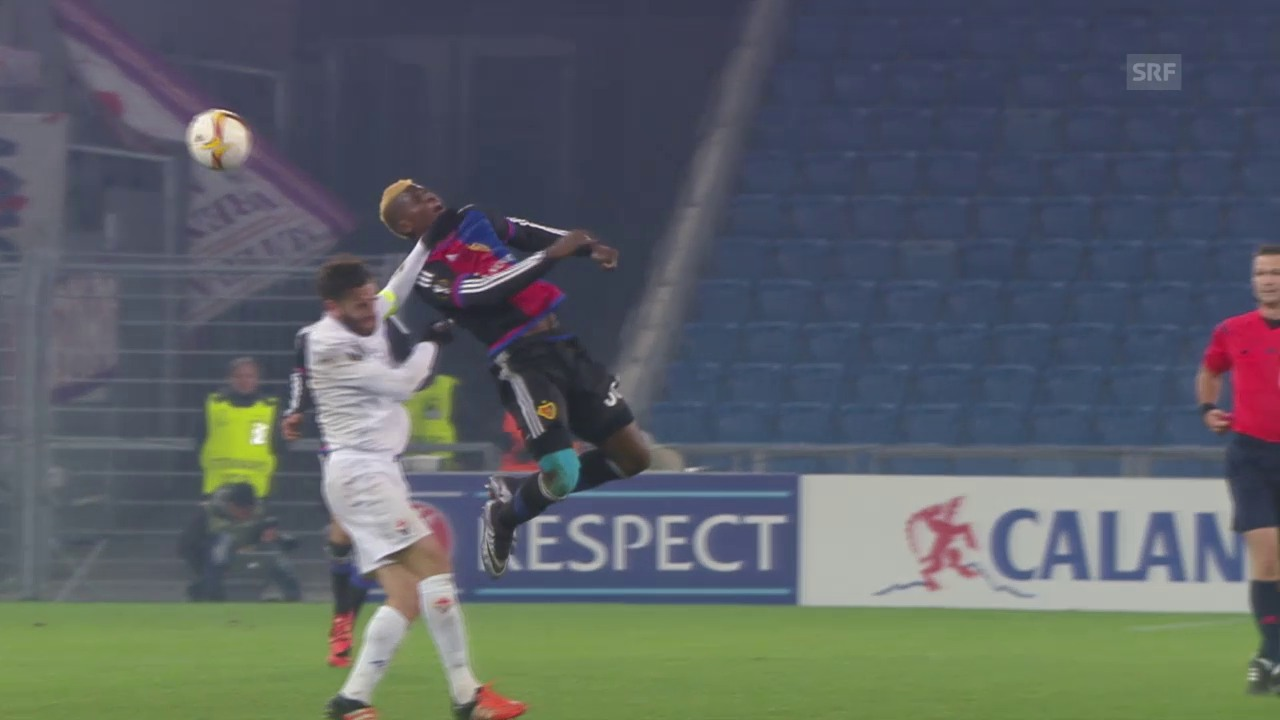 Fussball: Basel - Fiorentina, Fouls an Embolo
