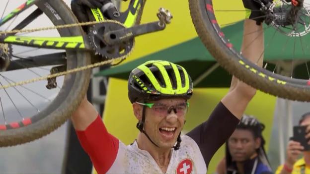 Video «Nino Schurter rast zu Olympiagold» abspielen