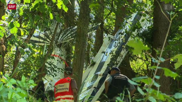 Video «Tödlicher Flugzeugabsturz in Hundwil AR» abspielen