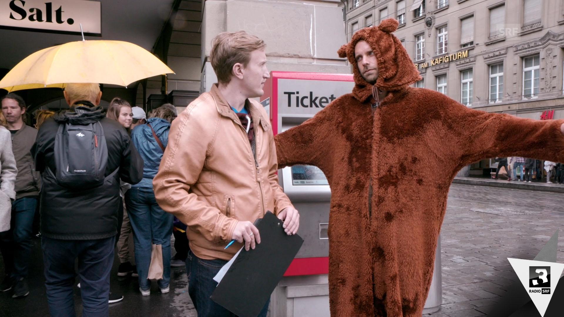 Büssi on Tour: Wenn Zürcher Bernern einen Bären aufbinden