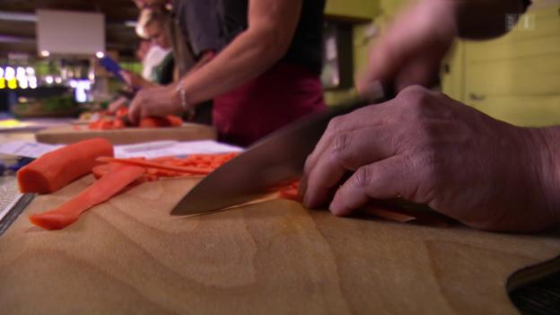 Video «Kochmesser im Test: Nicht alle schneiden gut ab» abspielen