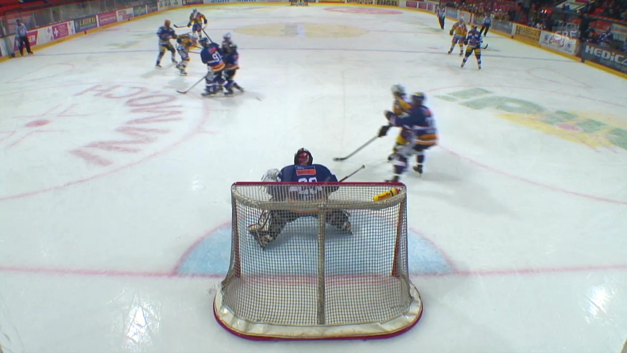 Eishockey: NLA, Davos - , Grégory Hofmanns Treffer («sportaktuell, 10.1.14)