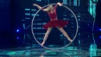 Video «Nora Zoller zeigt Cyr Wheel Artistik» abspielen