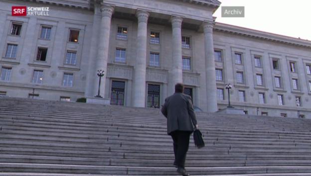 Video «Zürcher Jus-Student gewinnt vor Bundesgericht gegen Regierung» abspielen