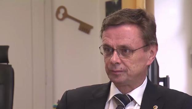 Video «Hans-Jürg Käser nimmt Stellung zu den Vorwürfen» abspielen