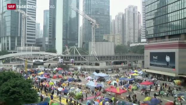 Video «Polizei räumt Protest-Camps» abspielen
