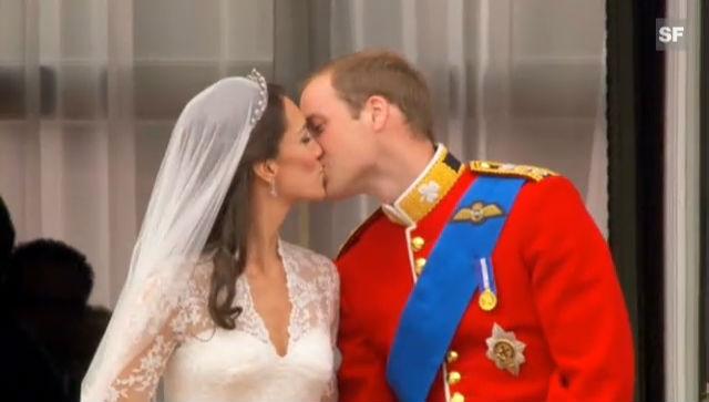 Prinz William und Kate: Der Kuss (unkommentiert)