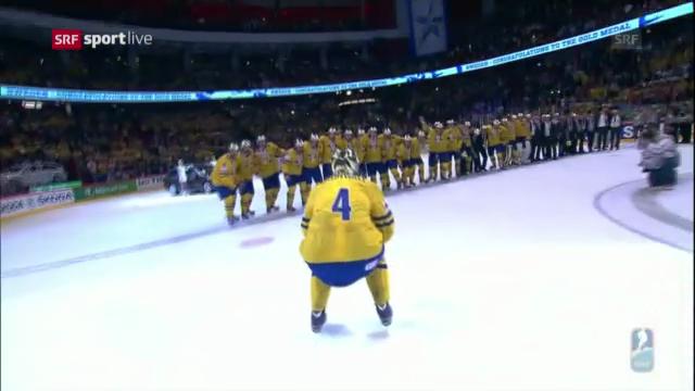 Pokalübergabe an Schweden