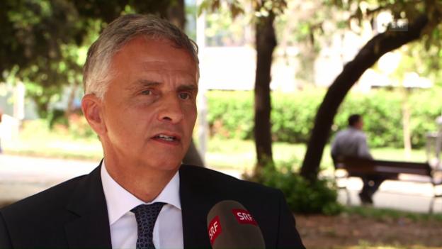 Video «Interview im Gezi-Park: Didier Burkhalter über die Wahl des Ortes» abspielen