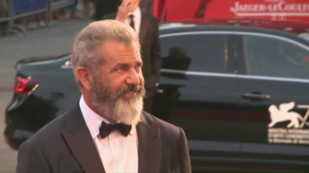 Video «Mel Gibson: Zurück auf dem roten Teppich» abspielen