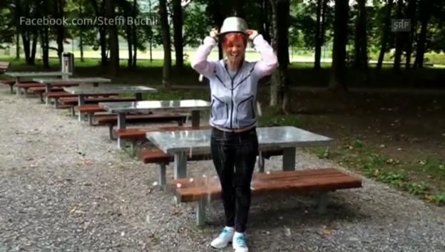 Video «Steffi Buchlis Ice Bucket Challenge» abspielen