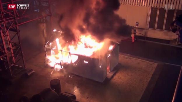 Video «Ikea-Häuschen fallen durch Brandschutz-Test» abspielen