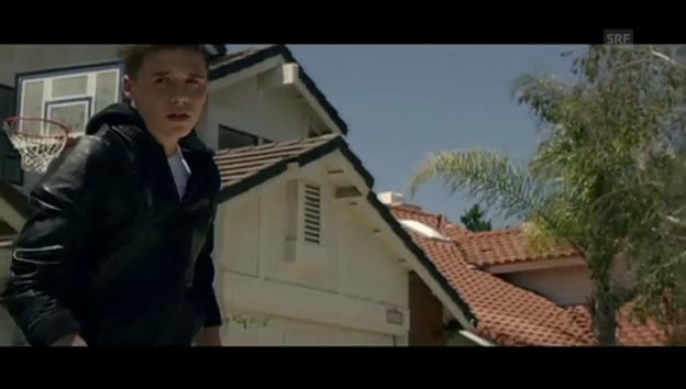 Video «Brooklyn Beckham in «Wake Up» von The Vamps» abspielen