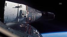 Video «Weihnachts-Scherz mit Mundharmonika im Weltall» abspielen