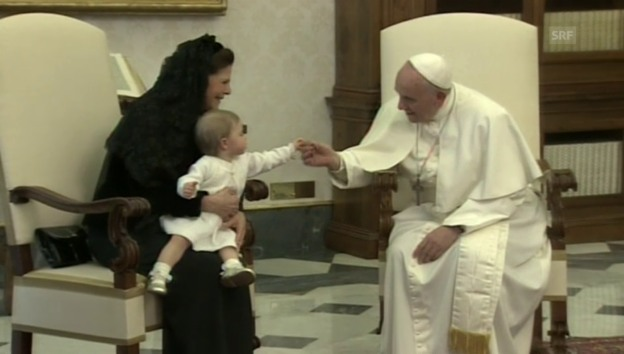Video «Prinzessin Leonore beim Papst (unkom. Video)» abspielen