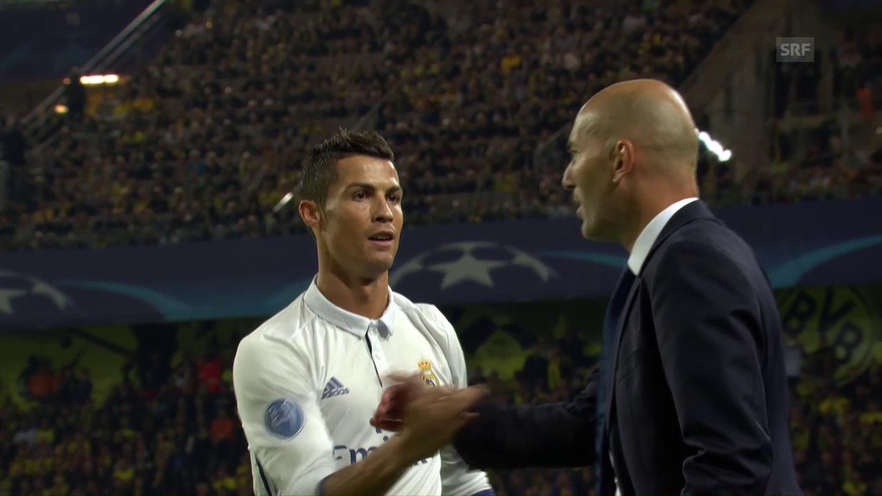 Ronaldo trifft und klatscht dann mit Zidane ab