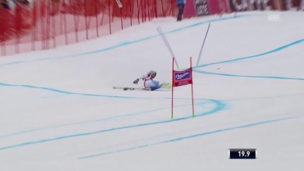 Video «Corinne Suter stürzt beim Super-G in Garmisch» abspielen