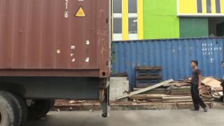 Video «Südostasien – Lehmann-Trub, Indonesien / SR Technics, Malaysia» abspielen