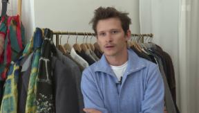 Video «Max Simonischek & Joel Basman auf gemeinsamer Mission» abspielen