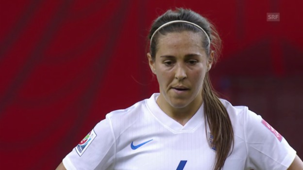 Video «England-Kolumbien: Fara Williams trifft vom Penaltypunkt» abspielen