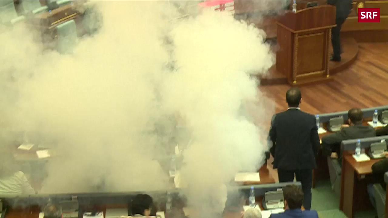 Tränengas-Attacke im kosovarischen Parlament