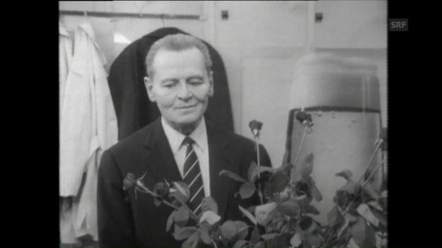 Video «Die Verabschiedung («Fünfundsechzig: Die Pension», 9.4.1971)» abspielen